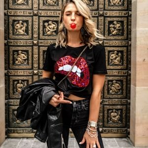 JUST IN!New Sexy Sequin Bite My Lip Graphic Tshirt